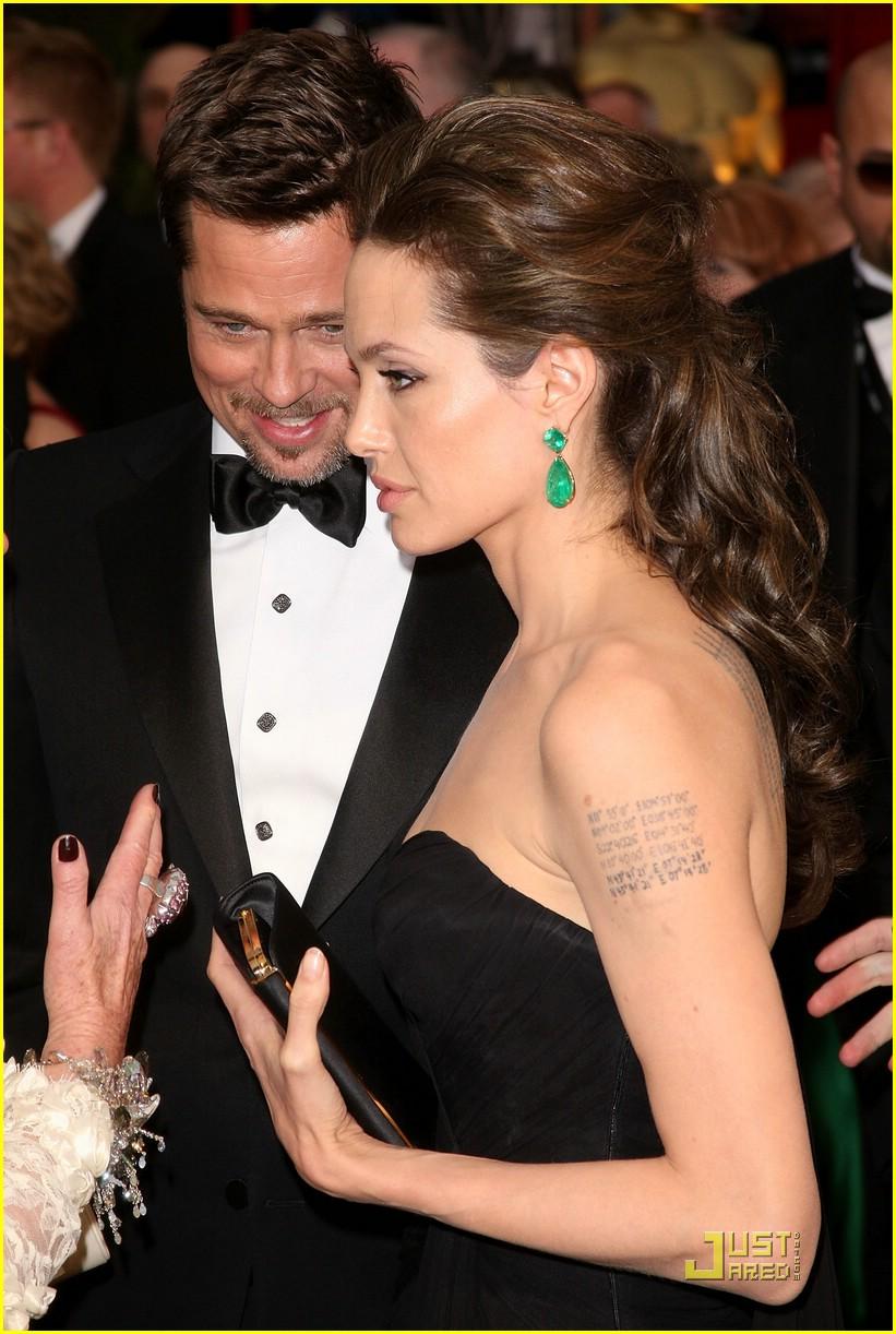 Oscars 2009 Angelina S Emeralds Jewelry