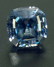 Benitoite, 2.28 carats - Accepted gem materials