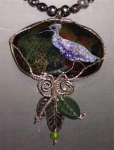 Little White Heron. Basse taille enamel, cloisonne, three-wire Argentium silver bezel.